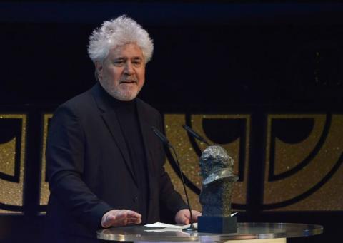"""Almodóvar suspende promoción de su película tras """"Papeles de Panamá"""""""