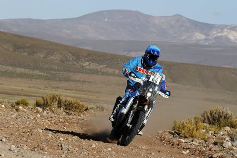 El guatemalteco Francisco Arredondo asciende puestos en el Rally Dakar
