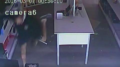 ¿Y el botín? Policía australiana difunde video de un torpe ladrón