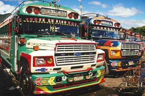 Buses de la Antigua suspenden servicio a partir de las 6 de la tarde