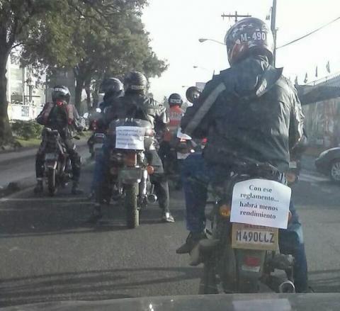 Motoristas protestan contra normativas de tránsito