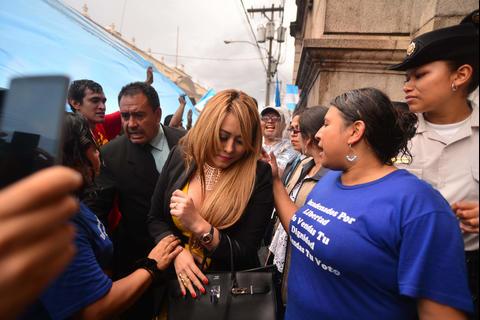 Emilenne Mazariegos pide a la CC que la reinstale en su curul