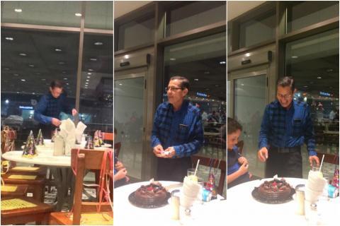 Hombre celebra su cumpleaños con extraños en ausencia de su familia