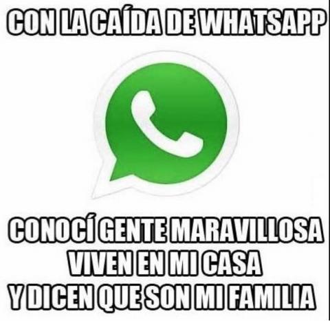 """""""Cae"""" WhatsApp y las redes se inundan de graciosos memes"""