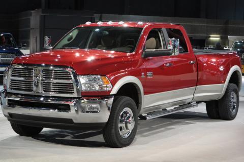 Chrysler corregirá problemas en 1.2 millones de vehículos vendidos