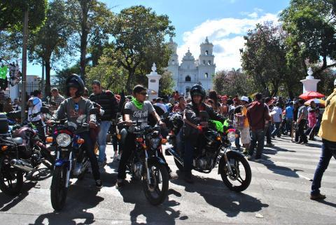 Peregrinos motorizados inician retorno a Guatemala