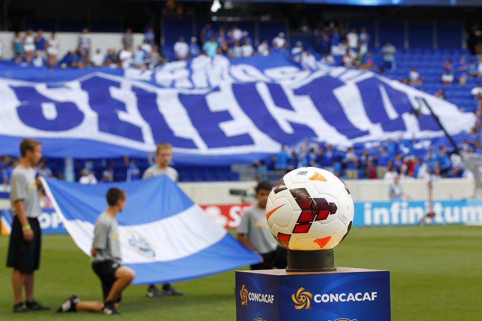 FIFA ratifica sanción a jugadores salvadoreños