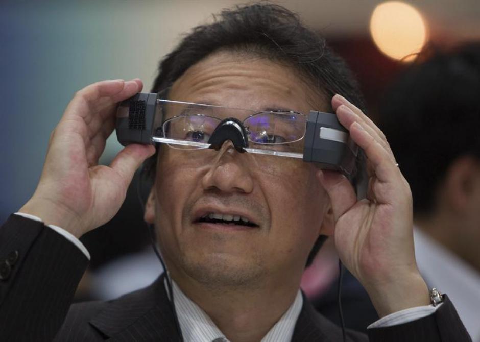 Gafas de traducción, una de las novedades estrella de CEATEC 2013