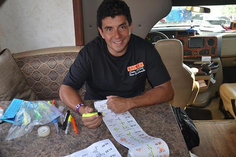 El piloto guatemalteco Arredondo, habla de lo que viene en el Dakar