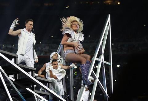 Mira el poderoso show de Lady Gaga en el Super Bowl