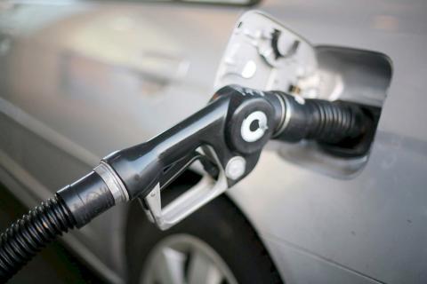 Combustibles suben de precio