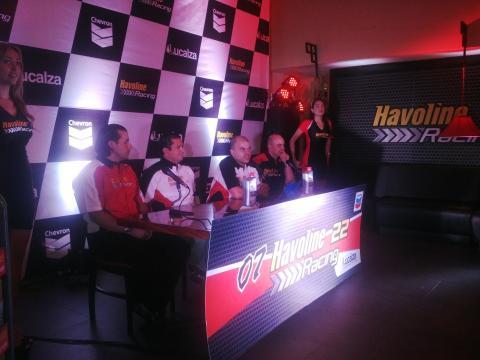 Presentan a los pilotos del Team Havoline Racing Guatemala 2014