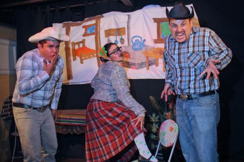 """""""Los Compadres y Betty la Jefa"""", una obra para divertirse"""