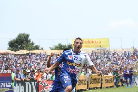 Suchi es el campeón del fútbol nacional al vencer a los Cremas