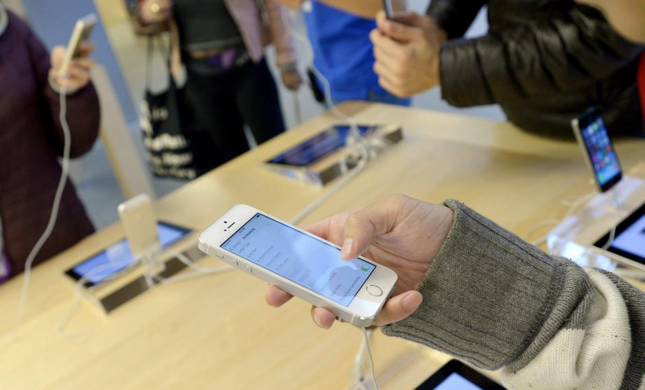 "iPhone ""low cost"" y crisis de identidad"