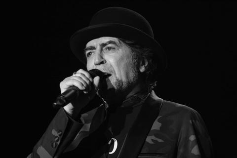 Joaquín Sabina se retiró de concierto por dolor similar a un infarto