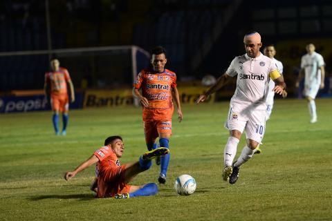 Lo que no se vio: marca personal a José Contreras en la final de ida