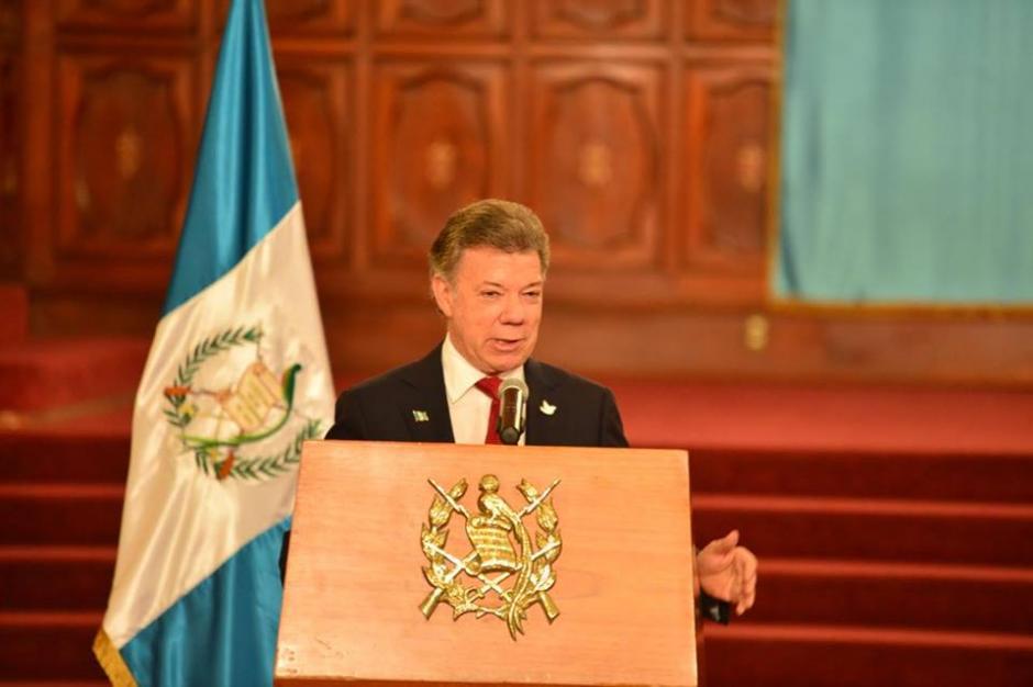 Juan Manuel Santos dijo recoger experiencias sobre proceso de paz en Guatemala. (Foto: Jesús Alfonso/Soy502)