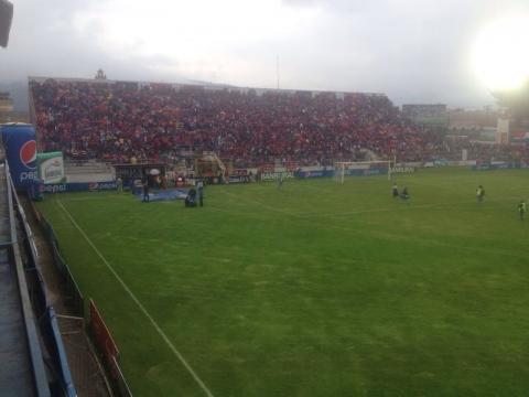 Fiesta en el estadio Mario Camposeco para recibir a Comunicaciones