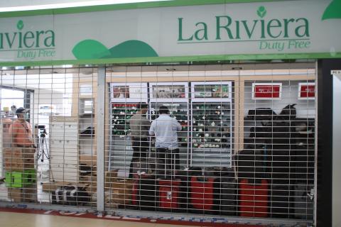 DGAC obliga a La Riviera desalojar su local del aeropuerto La Aurora