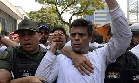 Leopoldo López seguirá preso y será enjuiciado por liderar protestas