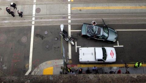 EE.UU:. Limpiavidrios sobrevivió a caída de 11 pisos sin protección