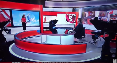 Presentadora del clima sufre ataque de risa durante programa en vivo