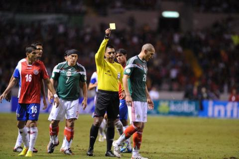 """Árbitro guatemalteco está nominado a los """"CONCACAF Awards"""""""