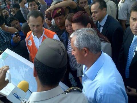 Presidente ofrece apoyo a damnificados por incendio en La Terminal
