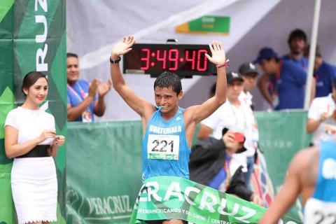 El histórico Barrondo gana el oro e impone récord en los 50k marcha