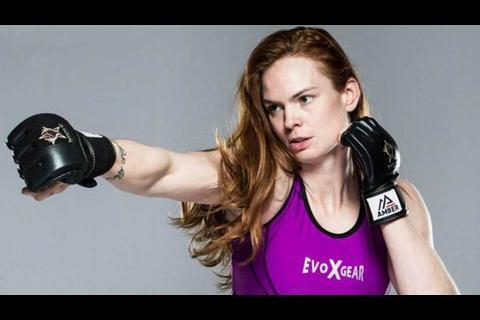 ¡Impresionante!, mira como quedó el rostro de una luchadora de MMA