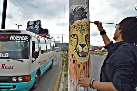 """""""Pintemos Huehue pero con cultura"""", manifestación de jóvenes artistas"""