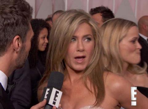 "Resse Witherspoon le dio un ""agarrón"" a Jennifer Aniston"