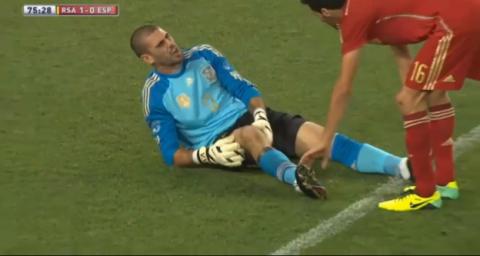 Una lesión deja a Víctor Valdés fuera de las canchas por seis semanas