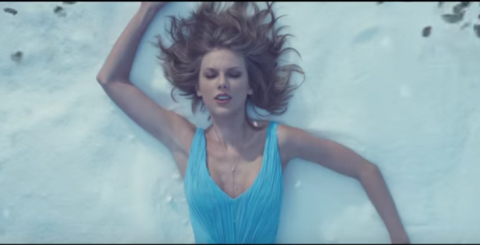 "Taylor Swift lanza el video del tema ""Out Of The Woods"""