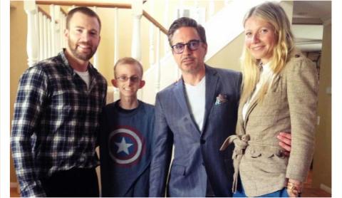"""""""Iron Man"""" y """"Captain America"""" hacen feliz a un joven con leucemia"""