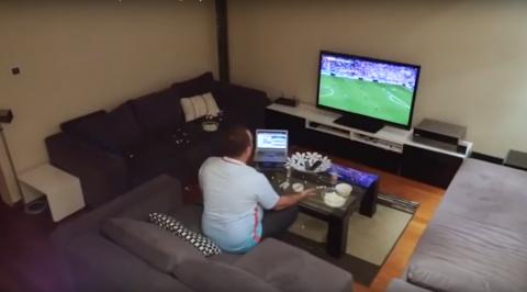 La broma más cruel: apagan la televisión cada vez que su equipo ataca