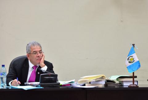 Insisten 12 abogados, quieren al juez Gálvez fuera del caso Cooptación