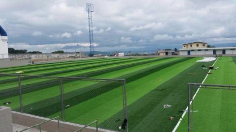 Con grama sintética, así será el Estadio Municipal de Mixco