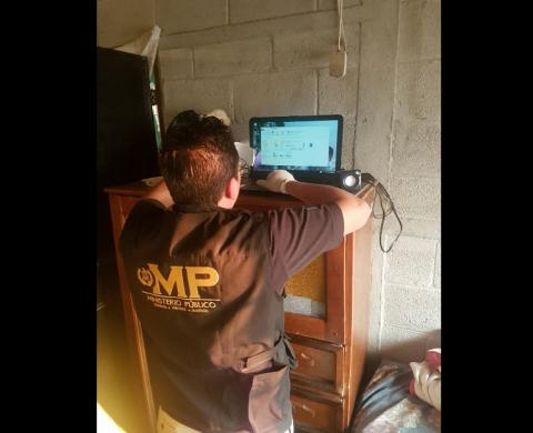 Capturan a un hombre sindicado de distribuir pornografía infantil