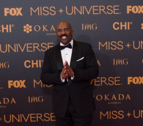 Vuelve el presentador que se equivocó al anunciar a Miss Universo