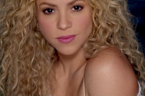 "Shakira estrena versión en español de ""Can't Remember To Forget You"""
