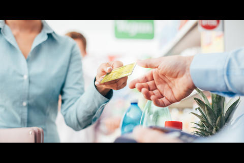 Conoce cinco razones esenciales para tener una tarjeta de crédito