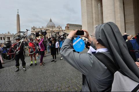 La tecnología será parte importante de la canonización