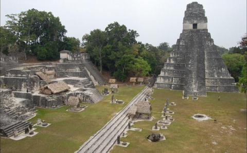 Elevadas tarifas aéreas dificultan turismo en Centroamérica