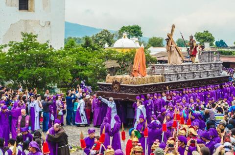 Jesús Nazareno del Perdón recorre la Antigua Guatemala