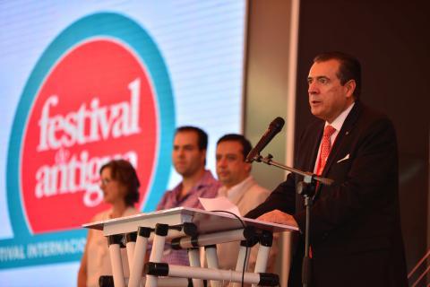 Concluye el primer día del Festival Antigua 2014