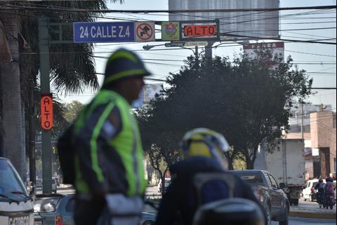 Un nuevo tipo de semáforo sorprende a los conductores de la capital