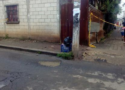 Realizan macabro hallazgo en caja para verduras en Villa Nueva