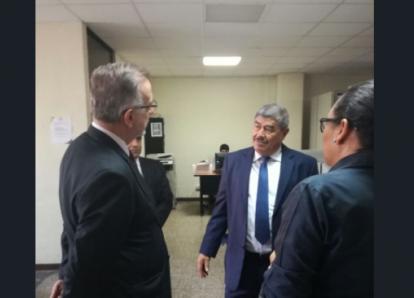 Iván Velásquez se reunió con el contralor Carlos Mencos